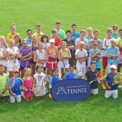 Giocatori e allenatori all' Oxford Tennis Camp